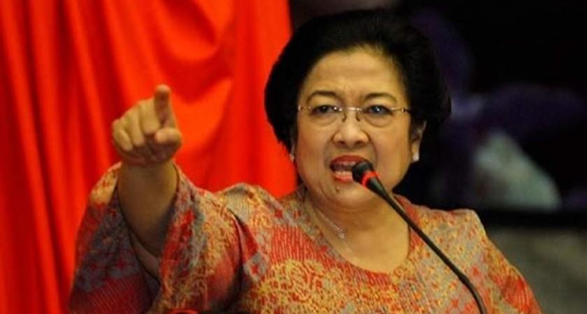 Megawati Ingatkan Wartawan Tidak Melintir Berita