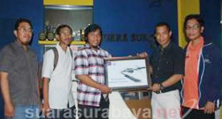 AJI Kampanye Independensi Media di Suara Surabaya